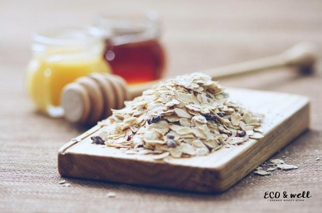 Domowa maseczka nawilżająca do twarzy, składniki maseczki diy, płatki owsiane, miód, olej
