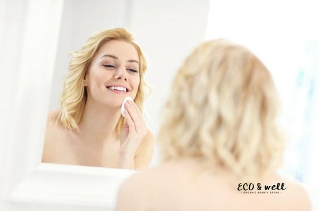 Jak wykonać demakijaż twarzy i oczu, zmywanie makijażu
