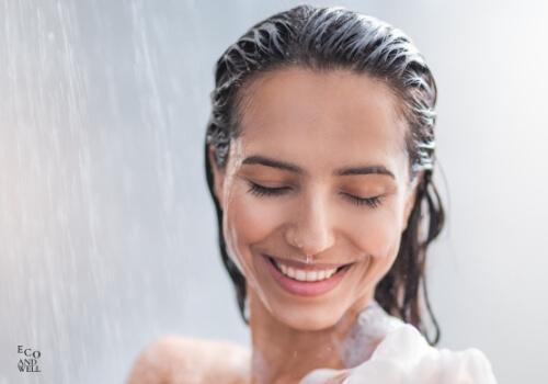 Kobieta podczas kąpieli