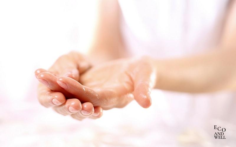 zastosowanie olejku arganowego do pielęgnacji dłoni, paznokci i ciała