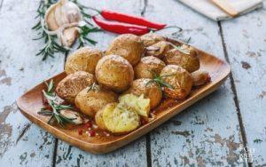 Talerz z ziemniakami