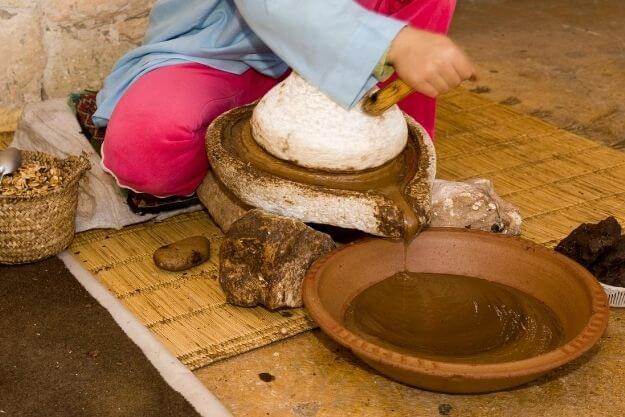 olej arganowy pozyskiwanie, jak powstaje